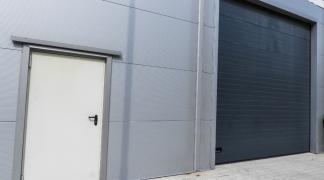 Do wynajęcia magazyn 250 m2 z biurem 40 m2 w okolicach Brucknera dzielnica Psie Pole