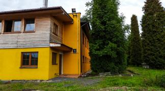 Do sprzedania obiekt produkcyjno - magazynowy z częścią administracyjno - mieszkalną o powierzchni 1787 m2 na działce 1.18 ha Szczytna powiat Kłodzki