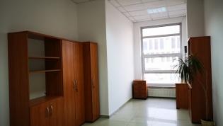Do wynajęcia biuro 16 m2 przy Strzegomskiej dzielnica Fabryczna - Nowy Dwór