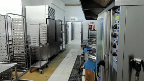 Do sprzedania hala produkcyjna 800 m2 przy Metalowców dzielnica Fabryczna oferta bez prowizji dla biura nieruchomości