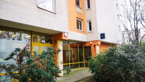 Do sprzedania na parterze lokal 65.8 m2 na usługi/handel/gastronomia/biura przy Ciepłej 15 dzielnica Krzyki oferta na wyłączność